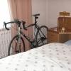 Rennrad im Schlafzimmer