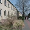 Häuserfront in Peenemünde. Man beachte die Fenster. Kaum eine Scheibe die noch ganz ist.