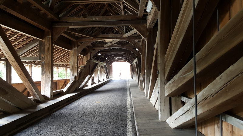 Holzbrücke über die Reuss in Sins
