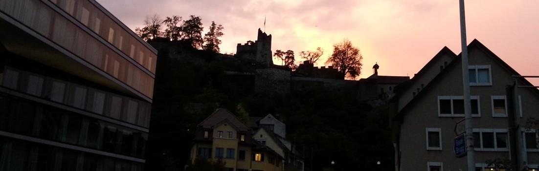 Ruine Stein in Baden im Abendrot