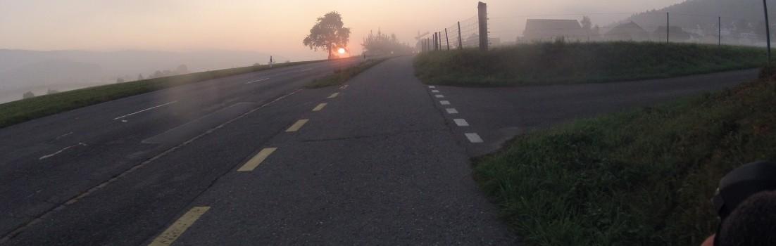 Morgenrot und Nebelbank