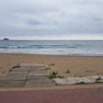 Das Meer schäumt und stampft