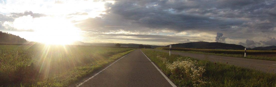 Abendsonne im Birrfeld