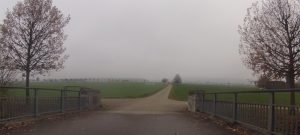 Birrfeld unter dem Nebel