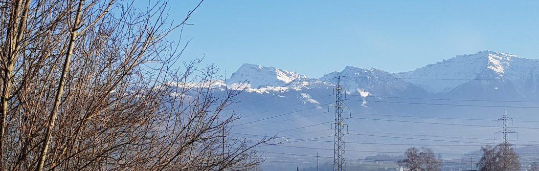 Blick in die Alpen, zwischen Uznach und Tuggen