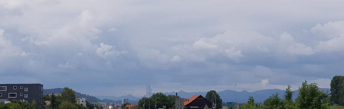 Gewitterwolken über dem Jura